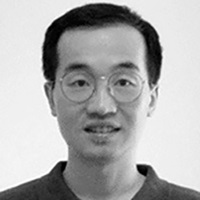 Photo of Associate Professor Kevin Q. Wang