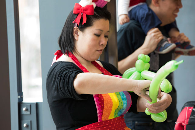 balloon animal lady